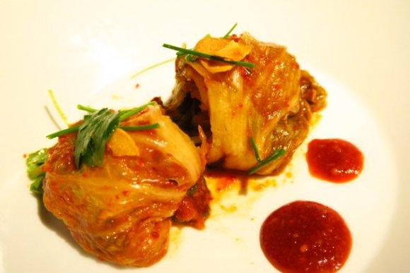 牛肉たっぷりの真っ赤な鍋がウマ辛!韓国版すき焼きが味わえる韓国料理店