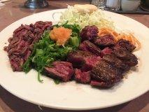 牛タタキとステーキをいっぺんに!贅沢すぎる肉2倍盛りのコンビセット