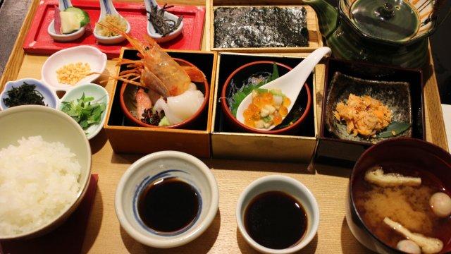 日本の美味しいお米を食べ比べで堪能!ごはんが主役の限定・週替わり御膳