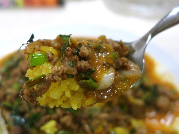 旨味の厚みが違う!カレー激戦区で食べる1皿で2度美味しい二重奏伽哩