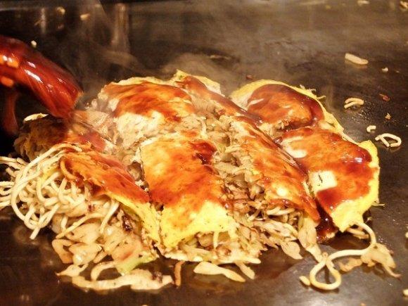 広島「風」じゃない!地元民も納得の本格派お好み焼きを都内で