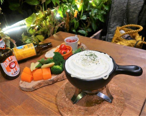 ふわふわのエスプーマ仕立て!新食感の「天使のチーズフォンデュ」が凄い