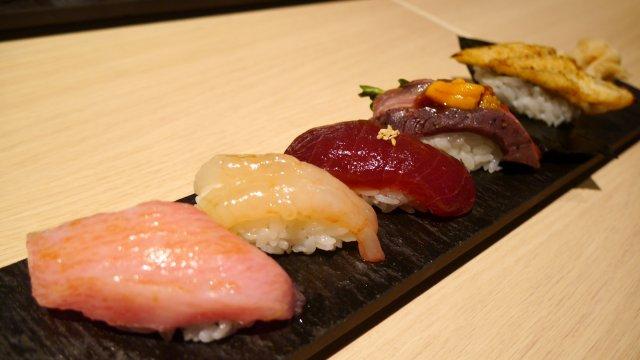 まぐろ食べ比べに希少部位も!職人が握るお洒落なお寿司屋さん