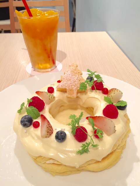 ハワイ発人気店のモケスで楽しむクリスマスリース型パンケーキ