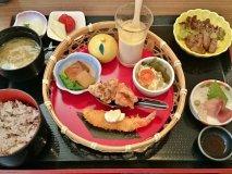女子必見!色んなものが食べれる玉手箱のようなランチ@大阪