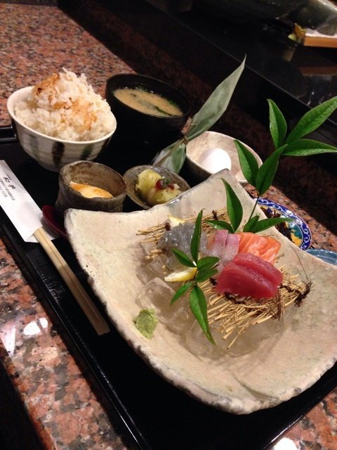 まさかの千円!高級割烹の土鍋炊き鯛めし&新鮮お造りランチ