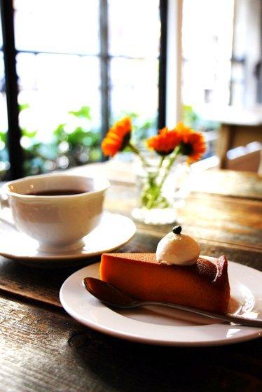 まさに理想のカフェ!浅草の隠れ家で丁寧な料理と静かな時間を