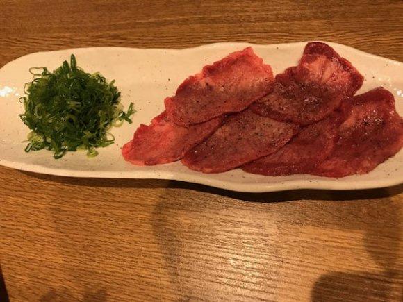 自家製ダレ3種の組み合わせが楽しい!赤身炙りがおすすめの気軽な焼肉屋