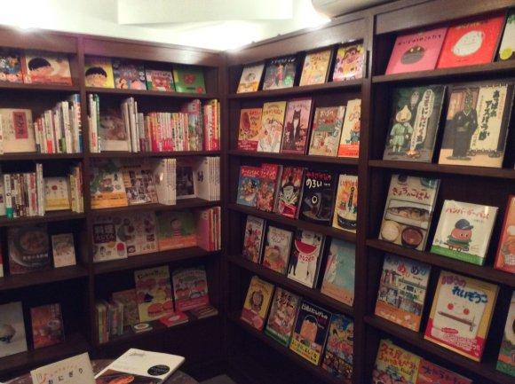 本好き必見!読書もグルメも楽しめる食通オススメのブックカフェ&飲み屋