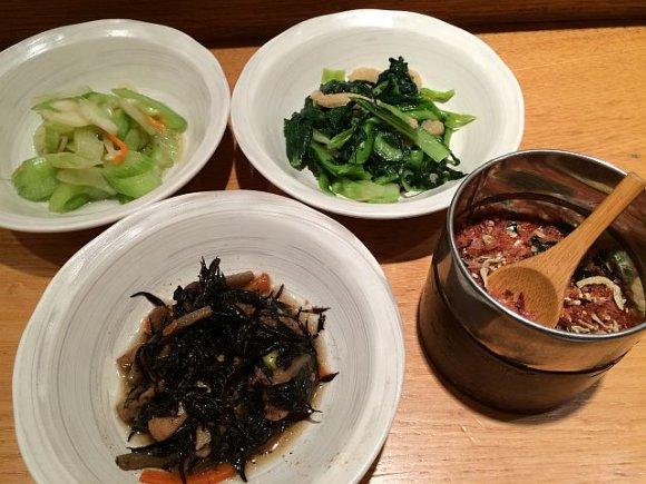 お米好き集合!こだわって炊かれた3種のご飯と惣菜が食べ放題