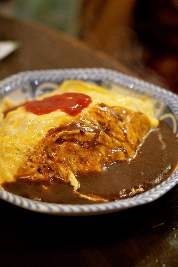 とろ~りチーズハンバーグにオムライス!王道の洋食が美味しい老舗喫茶