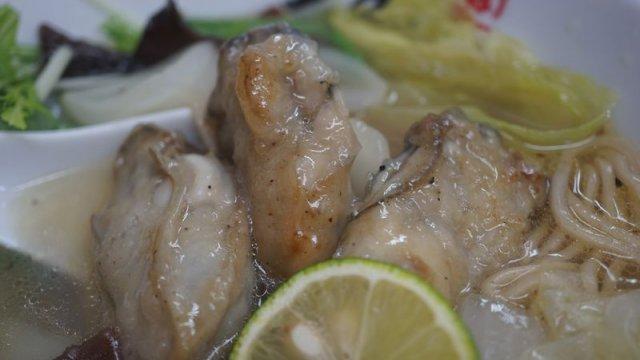 和食出身の大将が作る季節限定牡蛎ラーメン3種が美味い金沢『麺や福座』