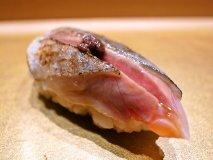 東京丸ノ内の「まんてん鮨」のおまかせコースはコスパ抜群!