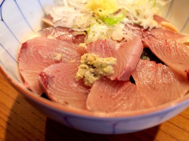 魚と米のバランスが絶妙!明治初年創業の老舗「京すし」のランチ海鮮丼