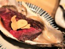 牡蠣とお肉がコラボした「牡蠣肉」に注目!産地別食べ比べもできるお店