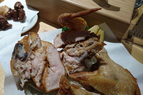 ワイルドにかぶりつきたい!ボリューミーな鶏の素揚げが旨い蒲田の名店
