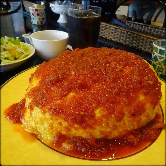 LLサイズの卵を5個使う大盛り!腹ペコ族御用達の元祖オムライス専門店