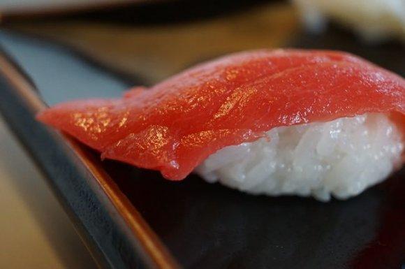 お寿司屋さんなのにラーメンが旨い!?握り寿司つきのランチセットがお得