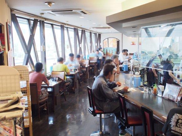 石川の人気ご当地グルメがコラボ!衝撃的な満足度のチーズカレーハントン