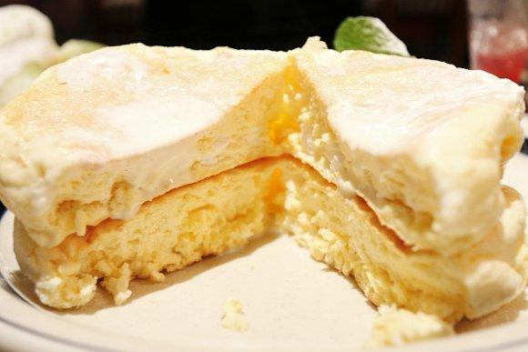 もちもち新食感!ふわふわパンケーキの人気店で味わえる抹茶パンケーキ