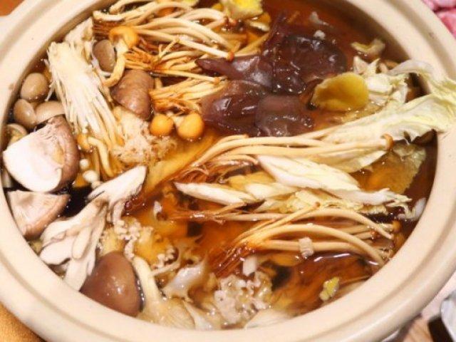 注目の炊き肉・きのことろろ鍋も!身も心も温まる「絶品あったか鍋」5選