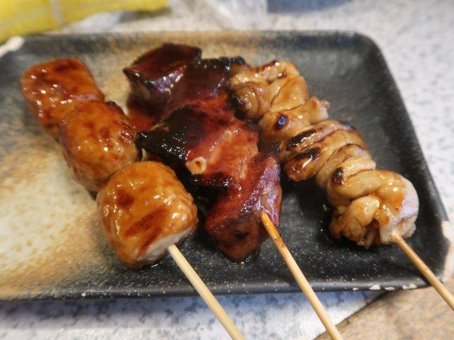 焼き物や一品料理などつまみが豊富!お昼過ぎから賑わう千葉の大衆酒場