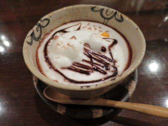 訪れたカフェは1400軒以上!達人の驚愕カフェライフに密着