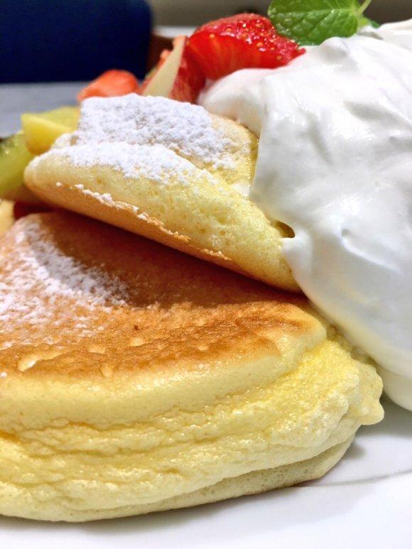 一口食べれば幸せ気分!「ふわとろ」系パンケーキ記事5選
