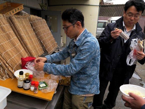 【香川】丼・箸・醤油・薬味持参でいただく出来立てうどん!