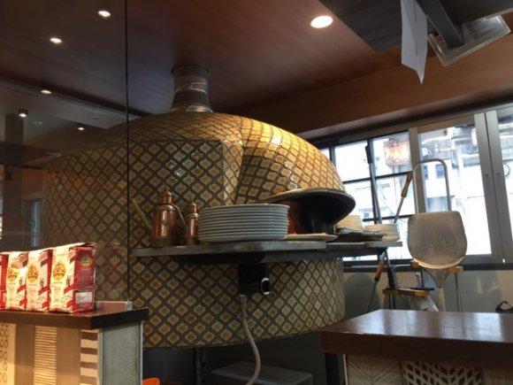 激うまフォッカッチャが食べ放題!イタリア政府認定のピザ職人が焼くお店