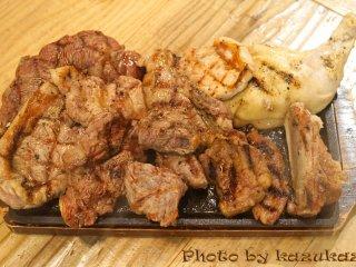 肉欲が満たされまくる!10種以上のステーキが食べ放題の天国のような店