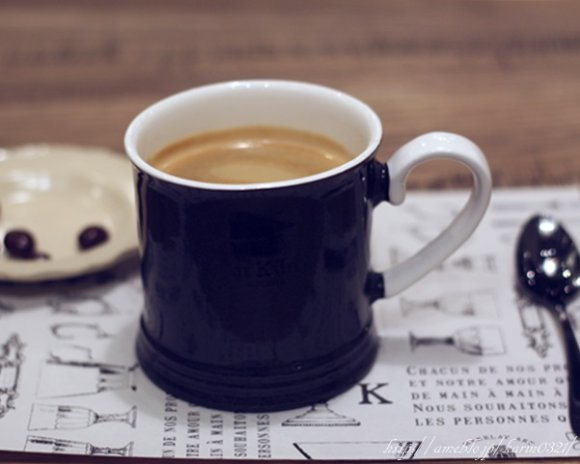 【表参道】美しい美濃焼で珈琲を味わうカフェが昨秋オープン