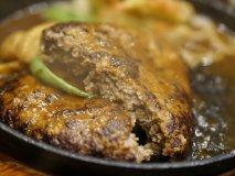 大きくて肉汁ジュワーっと!激ウマ手作りハンバーグの老舗店