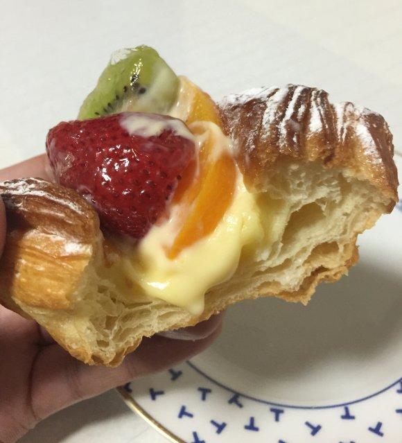 南海なんば駅直結!「とびら」の夏限定のかわいいパンが大人気