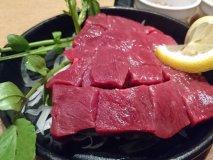 新鮮馬肉の肉厚「生」ステーキが激ウマ!馬肉の旨みを味わい尽くせるお店