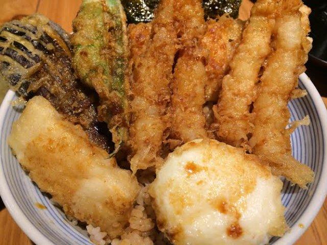 コスパ重視ならココ!新宿で絶品天丼ランチが味わえるお店5選