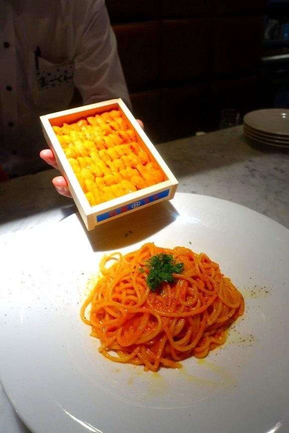 こんなパスタは食べたことがない!生ウニ一箱を使った衝撃的なパスタ