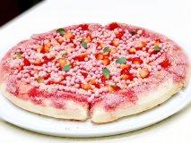 春満開!あのマックスブレナーからピンク色の「チョコレートピザ」が登場