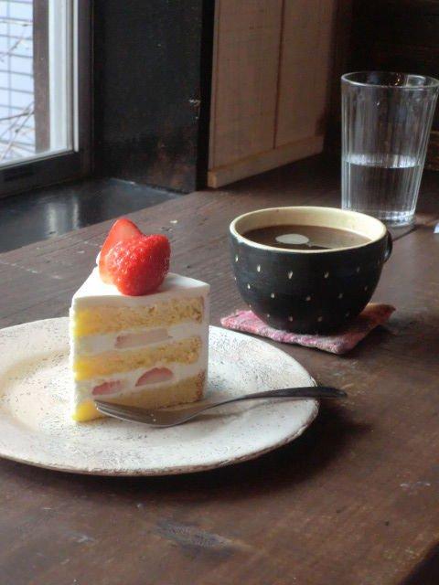 静かに心地よい「ひとり時間」が過ごせる、スイーツの美味しいカフェ。