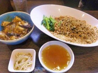 辛旨な「麻婆豆腐丼」と「汁なし担々麺」を食べるなら『雲林坊秋葉原店』