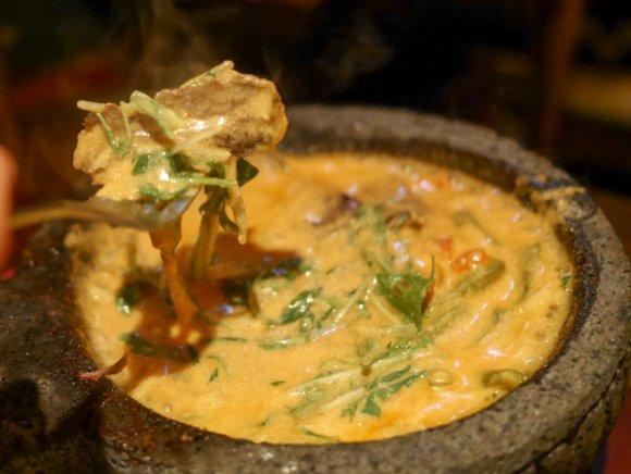 豪快なヒレカツにチーズ鍋!食べるべき一品が揃う、おトクに飲める店5選