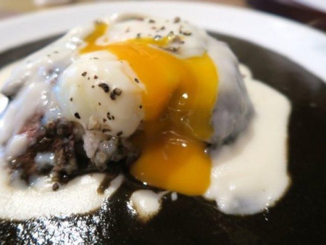 北新地なのに880円!とろ~り卵とローストビーフの激旨カレーランチ