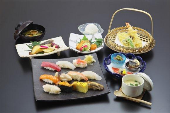 北海道の人気鮨処が有楽町にオープン!900円以下で大満足な寿司ランチ