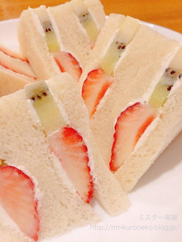 ふわふわパンケーキからフルーツサンドまで!スイーツ好き必読の6記事