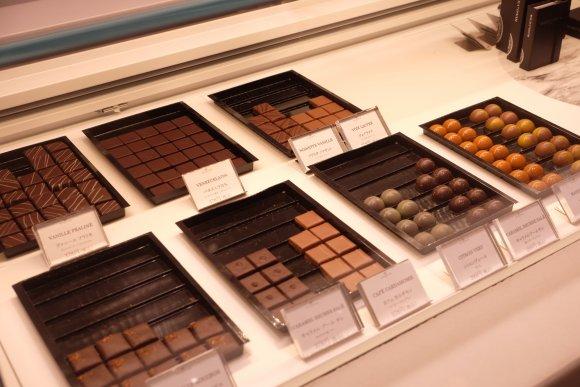 チョコ好き集合!定番人気メニュー・チョコレートパフェは食べるべき逸品