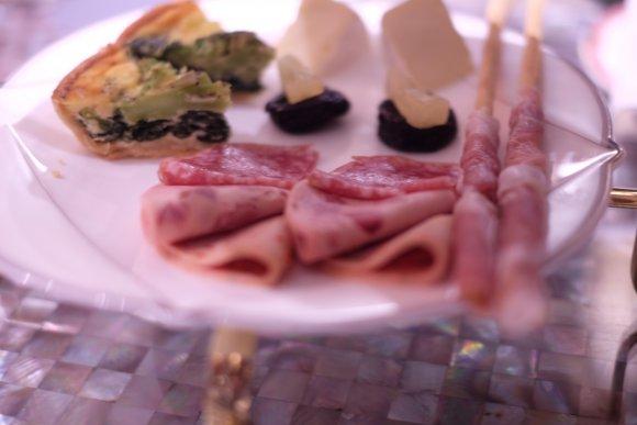 シャンパーニュフリーフロー付き!庭で線香花火も楽しめる特別ディナー
