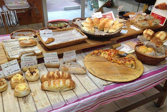 福岡で創業50年以上!人気のカレーパンが癖になる老舗パン屋