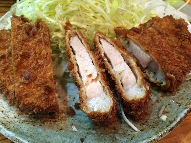 揚げたて豚カツランチが安い!行列必至の人気店・弁けい@新宿