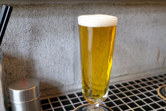 新鮮牡蠣が旨い店にビストロ居酒屋!新橋の駅近でサクッと気軽に飲める店
