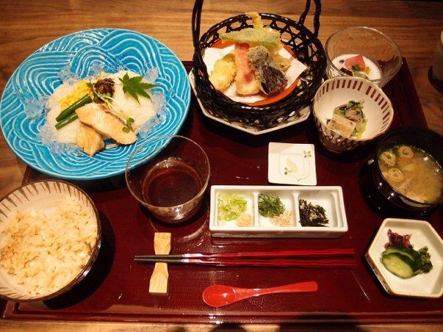 銀座・有楽町のアンテナショップで堪能できる!全国各地の郷土料理5選